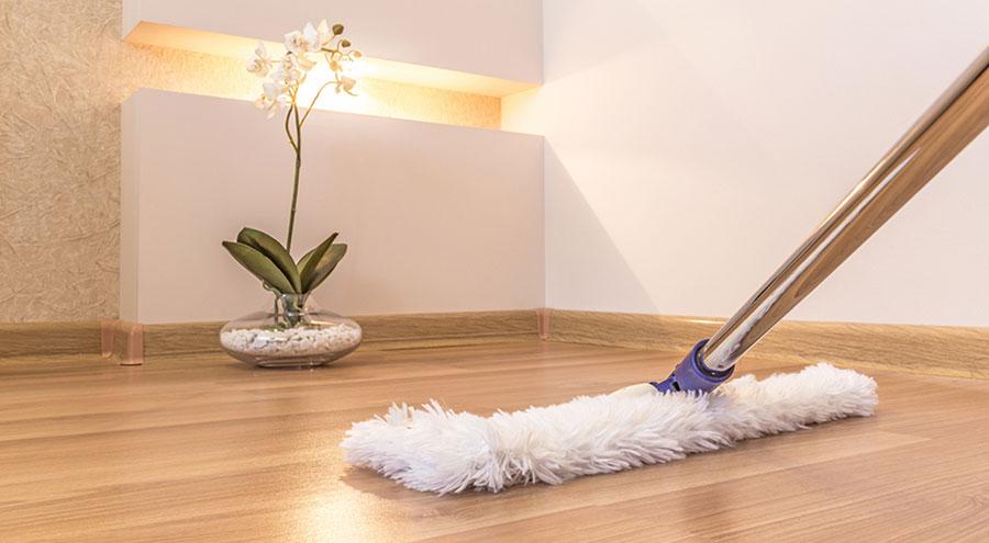 de-groot-specialistisch-schoonmaak-onderhoud-tapijt-natuursteen-marmer-linoleum-parket-reiniging-kantoren-zakelijke-dienstverlening-particulier